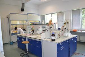 Laboratorul de Sinteze Organice (sala 63) - 1